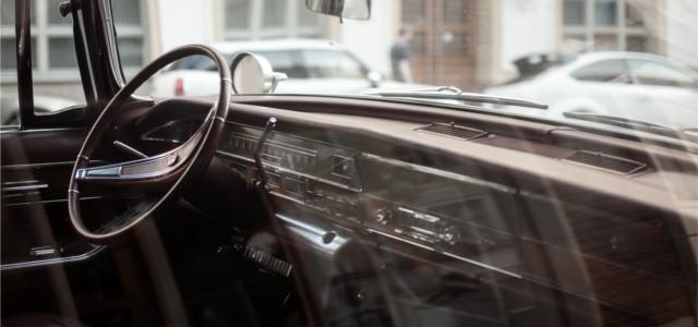 tableau de bord de vieille voiture