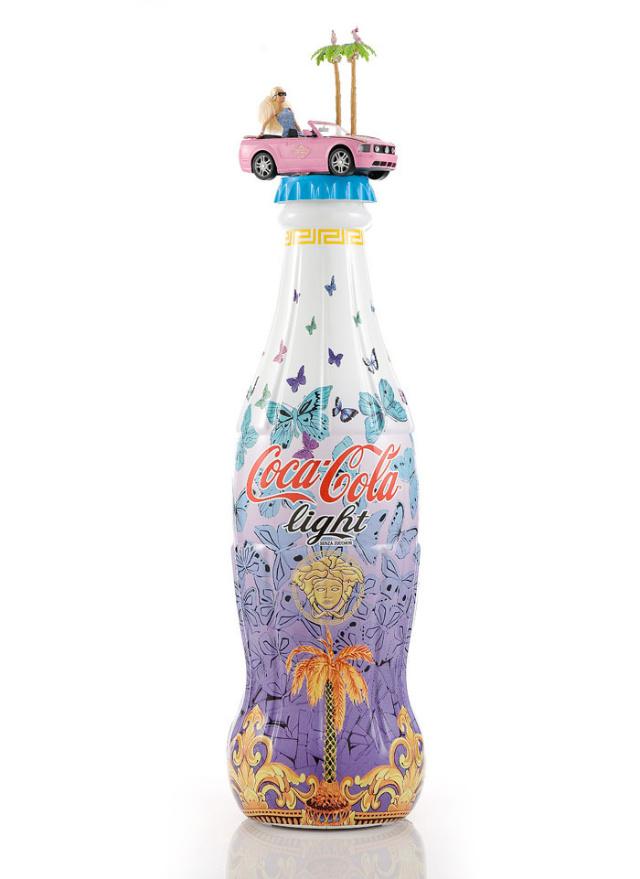 Bouteilles de coca cola light édition limitée versace